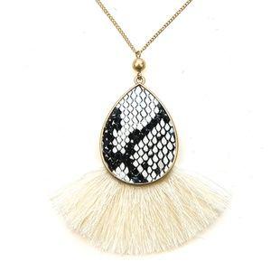 "No. 3 tassel fan snake necklace print white 30"" L"
